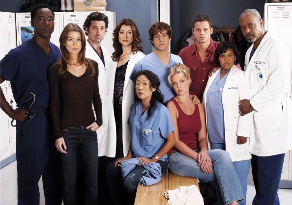 foto di gruppo del cast iniziale di grey's anatomy