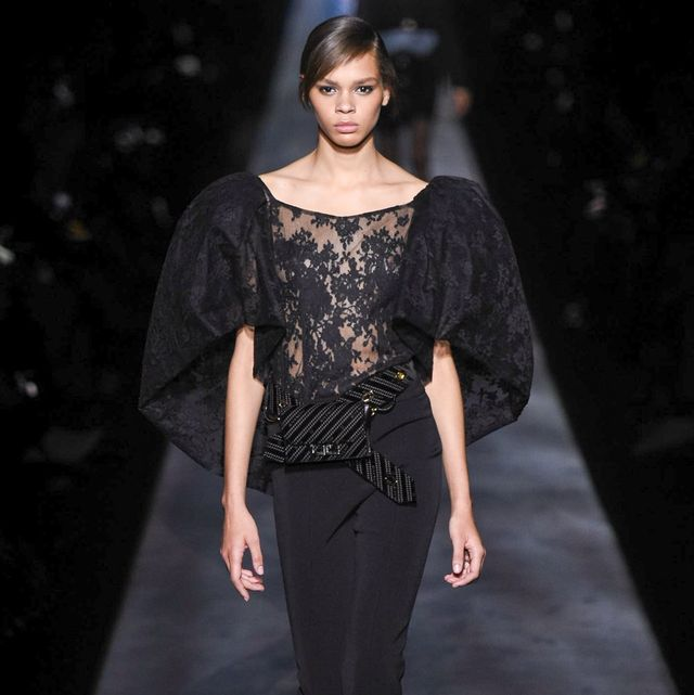 Fashion, Fashion model, Fashion show, Runway, Clothing, Haute couture, Public event, Human, Event, Waist,