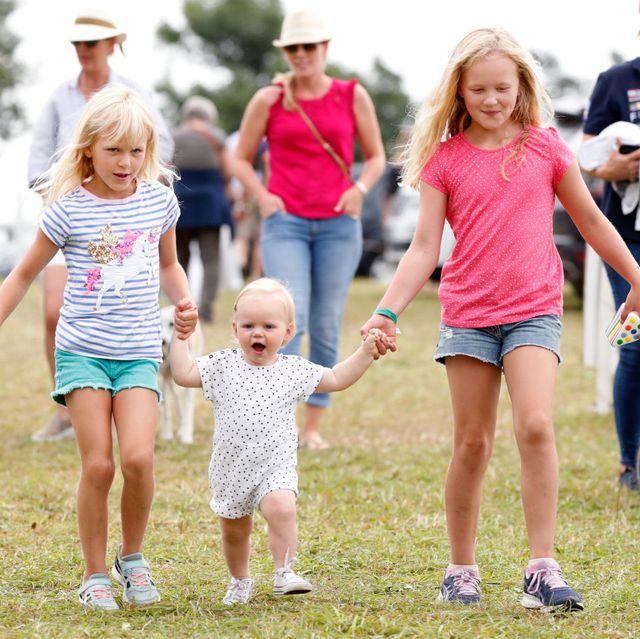 Queen Elizabeth's Great-Grandchildren Mia & Lena Tindall ...