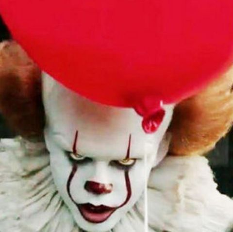 Clown, Performing arts, Animated cartoon, Nose, Animation, Fiction, Smile, Fictional character, Mime artist,