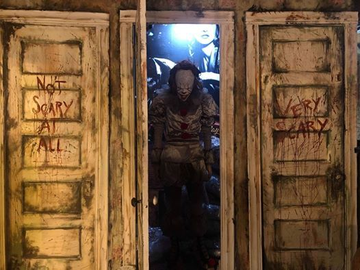 A Chicago Bar Is Hosting An IT-Themed Pop-Up With Pennywise Drinks And A Fun House