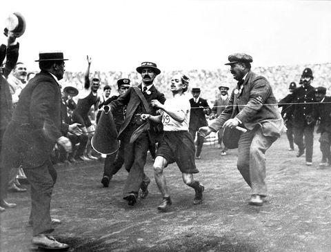 dorando pietri en los juegos olímpico de londres 1908