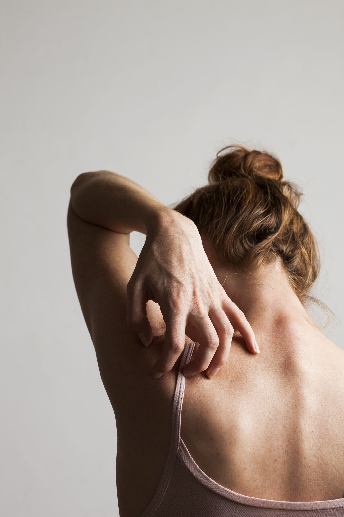 Itchy back: 10 causes, symptoms and treatment
