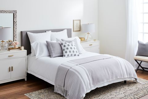 the best bedding you can buy online brooklinen vs snowe vs parachute. Black Bedroom Furniture Sets. Home Design Ideas