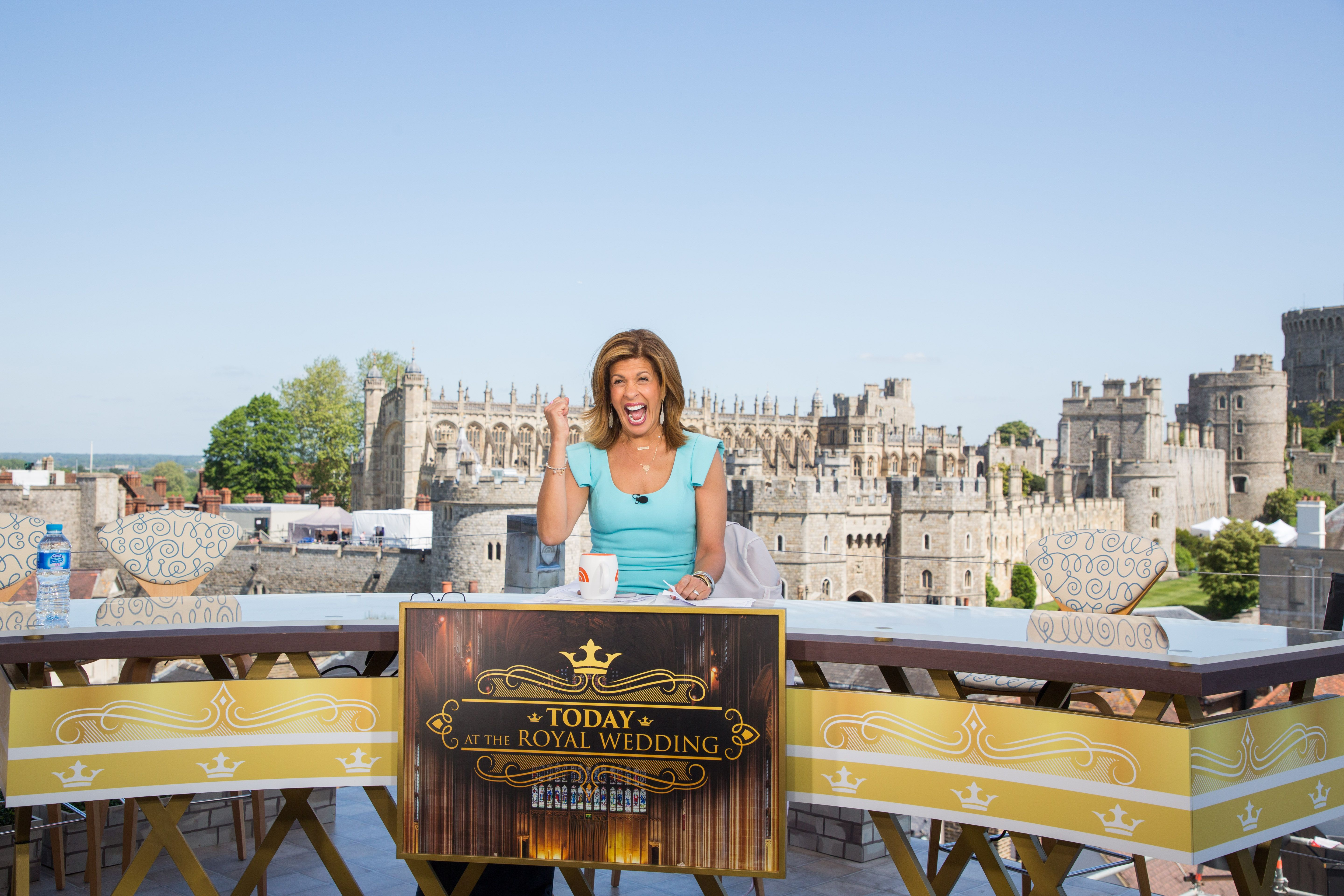 Hoda Kotb And Savannah Guthrie Share What It S Really Like In Windsor The Day Before Royal Wedding