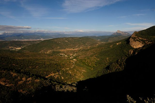 monte peña oroelvisto de sata cruz de la serós, en la región aragonesa de jaca