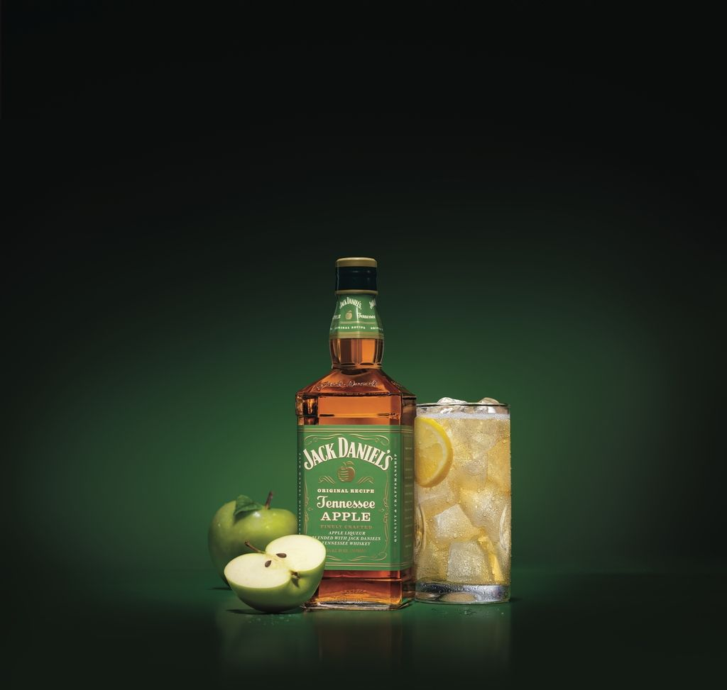 Jack Daniels Has A New Apple Whiskey For All Of Your Fall Drinks Needs