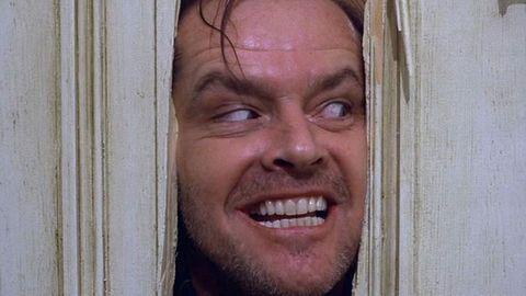 jack nicholson asomandose en la puerta del resplandor