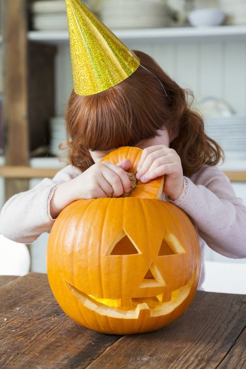 Halloween fun facts - why people carve pumpkins
