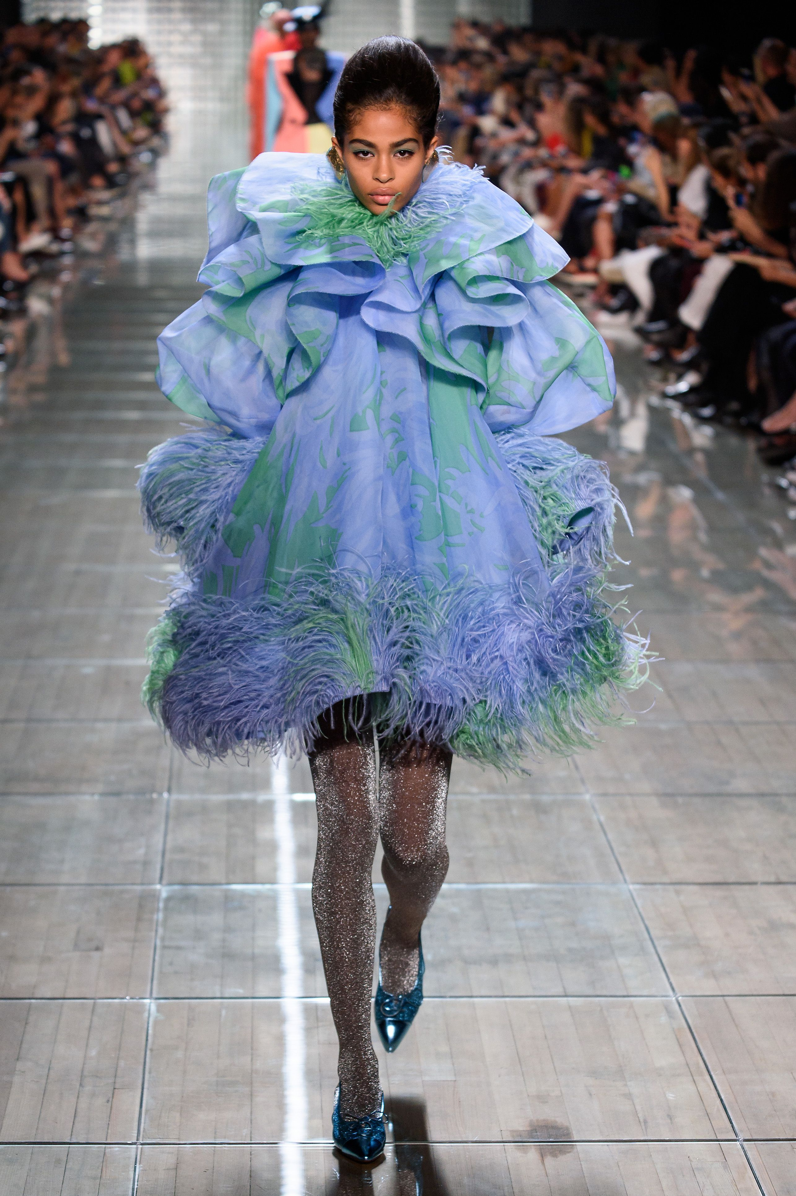 1837f702 Marc Jacobs Spring 2019 Runway Show Photos - Marc Jacobs Spring 2019 ...