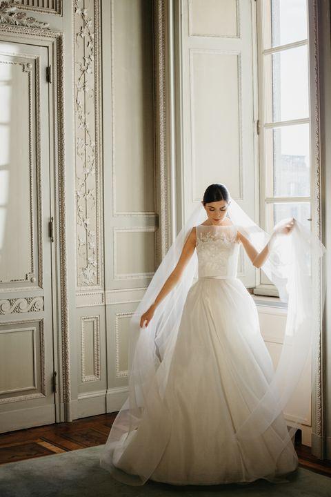 4b4ed8c26439 I vestiti da sposa per dire sì a San Valentino
