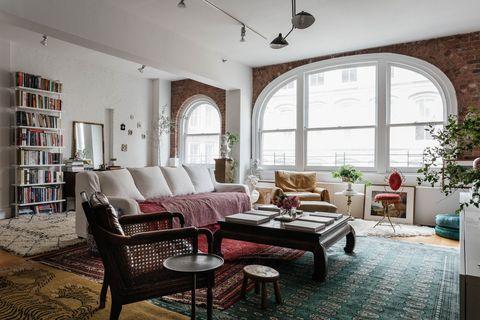 Un loft moderno lleno de antigüedades de Jae Joo en Nueva York diseñadora de interiores
