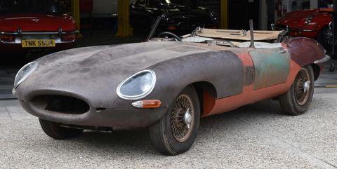 restauración de un jaguar etype de 1964