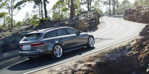 Land vehicle, Vehicle, Car, Luxury vehicle, Automotive design, Rim, Mid-size car, Personal luxury car, Family car, Jaguar xf,