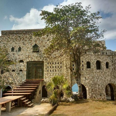 Property, Building, Fortification, Wall, Sky, Tree, Castle, Ruins, Architecture, Medieval architecture,
