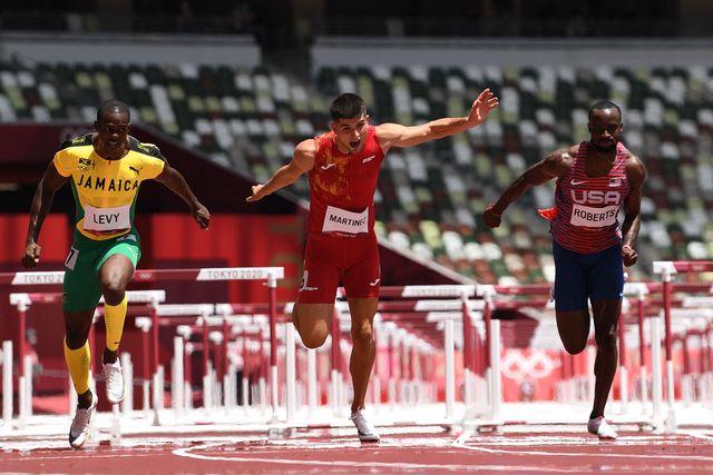 el atleta español asier martínez en la semifinal de los 110m vallas