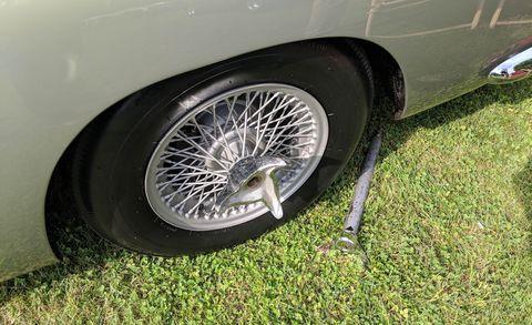Alloy wheel, Wheel, Tire, Vehicle, Spoke, Automotive tire, Rim, Motor vehicle, Car, Automotive wheel system,
