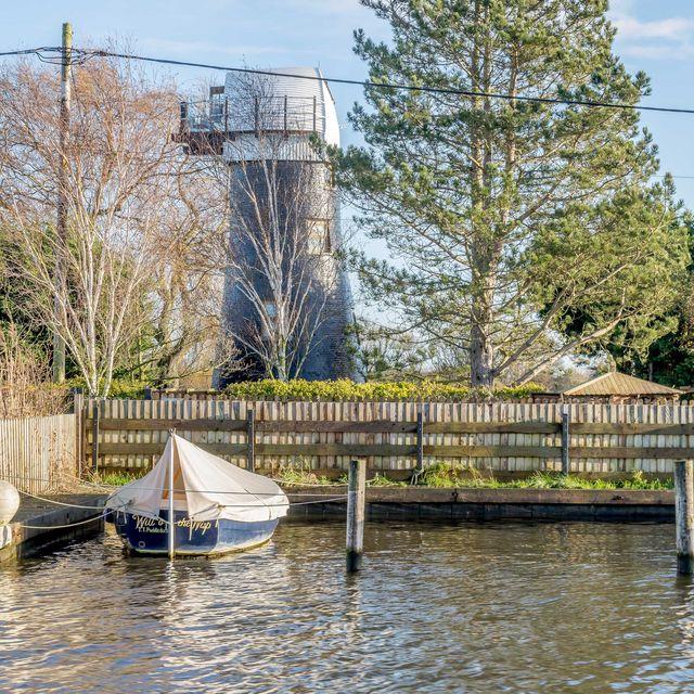 bond island windmill to rent in norfolk