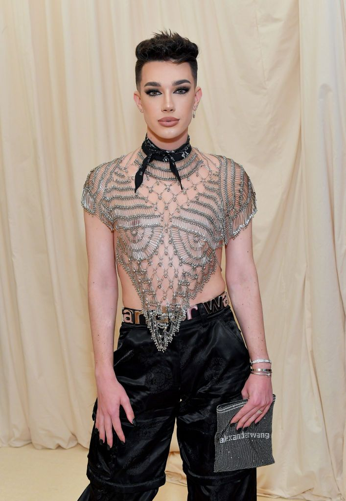"""The Beauty Vlogger Drama Continues with James Charles Canceling His Live Tour: """"I'm Still Not Doing Well"""""""