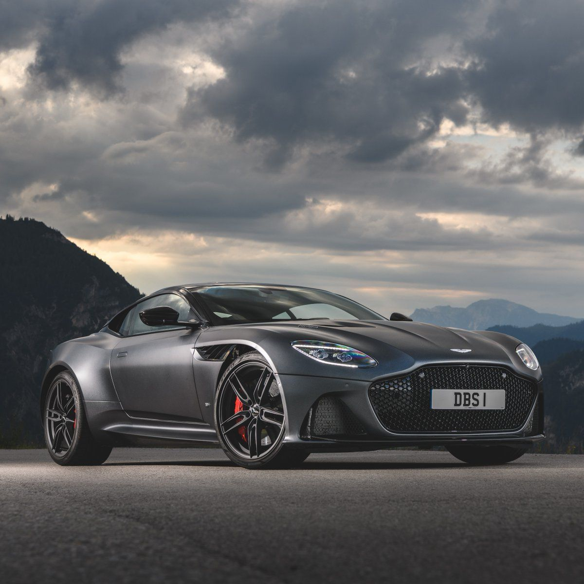 4 Aston Martins Will Co-Star in the New James Bond Movie