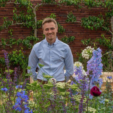 RHS Chatsworth Flower Show - Wedgwood Garden designed by Jamie Butterworth