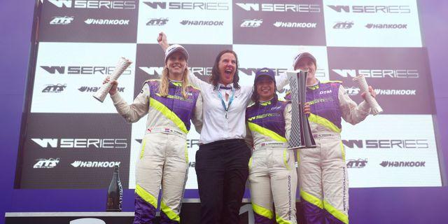 w series brands hatch   qualifying  race