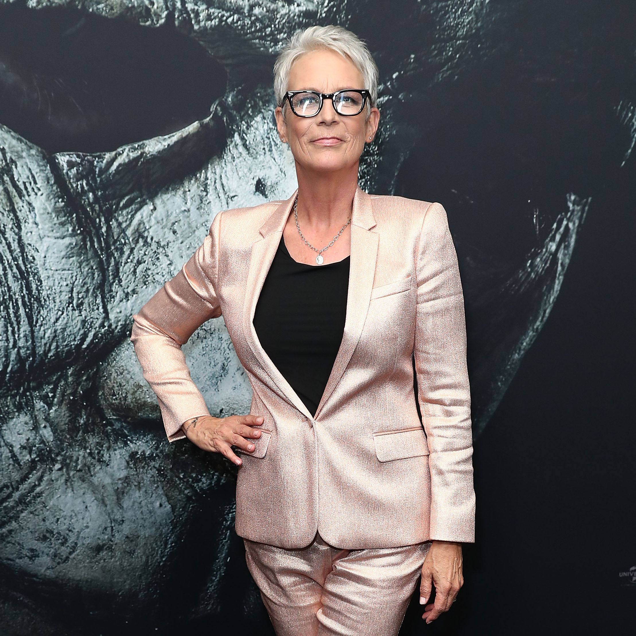Jamie Lee Curtis's Opioid Addiction Is One Many Women Secretly Share