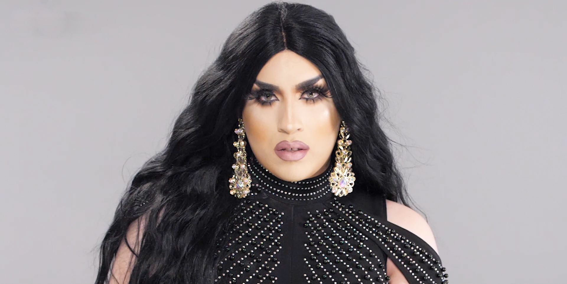 Former RuPaul's Drag Race contestant Janelle No. 5 channels the Kardashian Klan in this makeup transformation video.