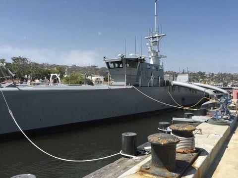 Vehicle, Boat, Ship, Watercraft, Naval ship, Destroyer escort, Warship, Patrol boat, river,