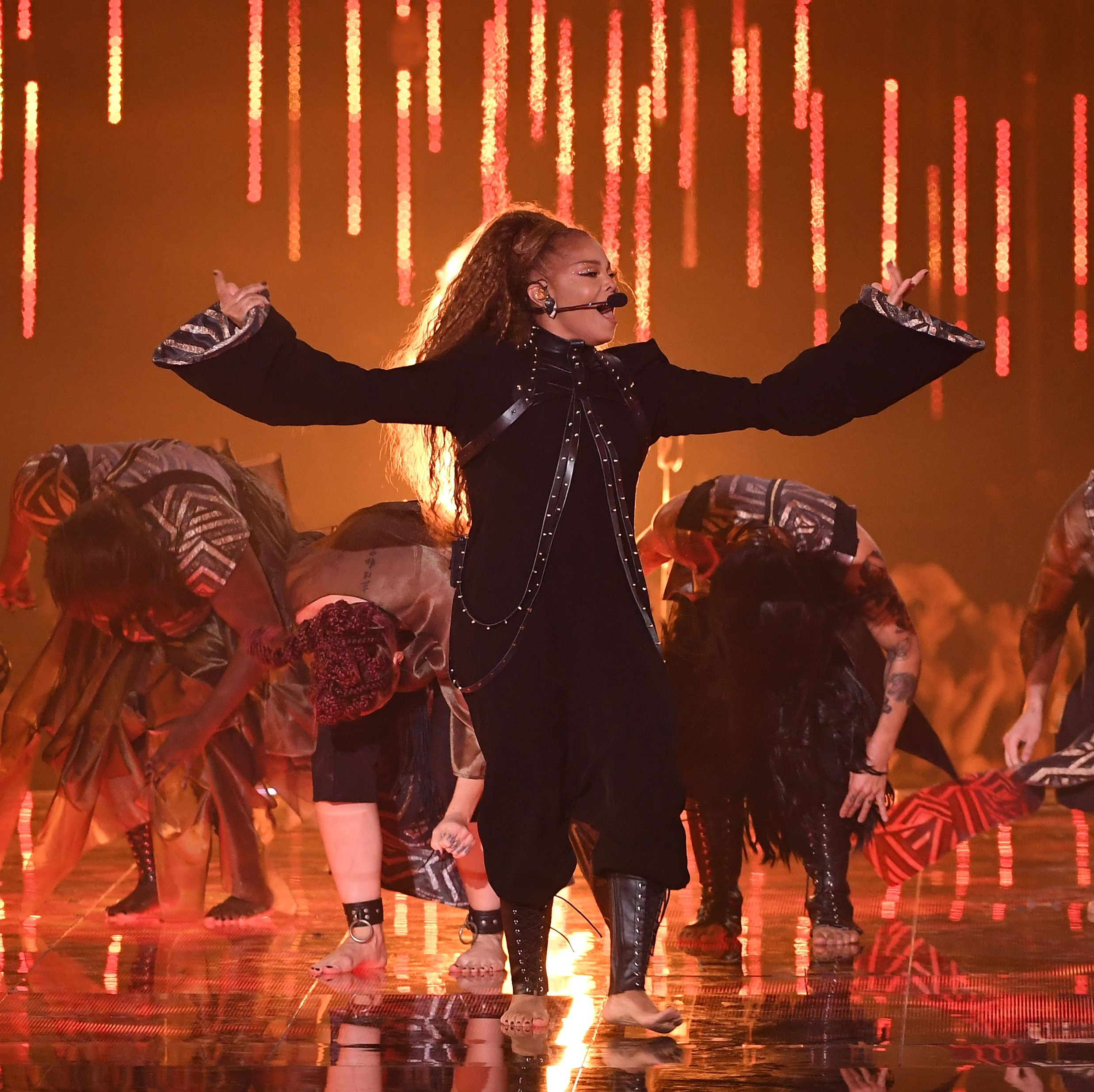 Erm, Janet Jackson just bumped herself up the Glastonbury line-up