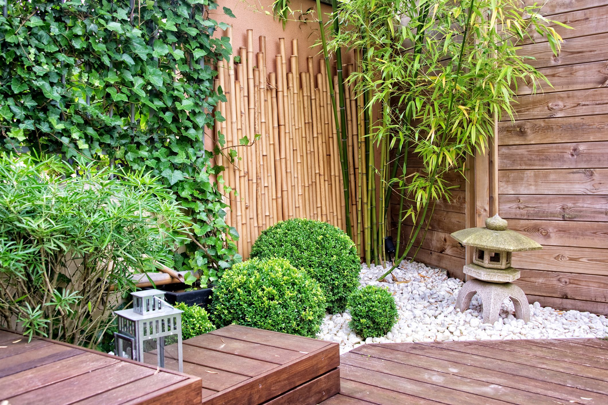 3 Simple Tricks When Designing Small Gardens