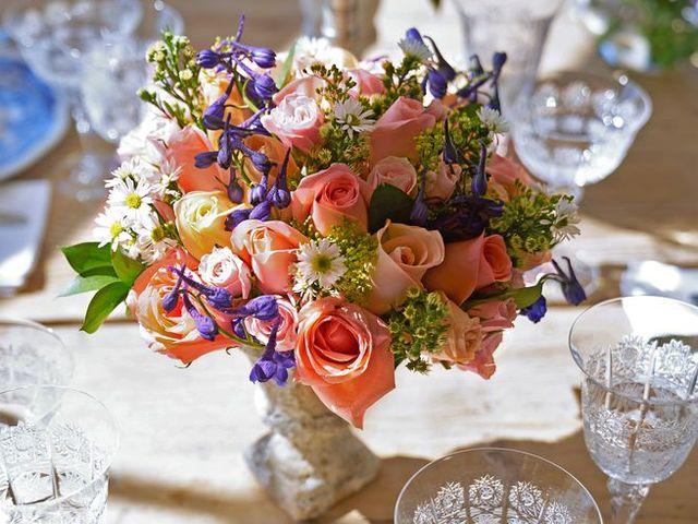 Bouquet, Flower, Flower Arranging, Cut flowers, Floristry, Centrepiece, Floral design, Plant, Table, Tableware,