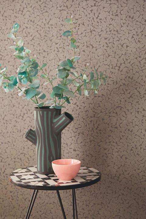 Jarrón Tree Trunk y papel pintado de Coordonne