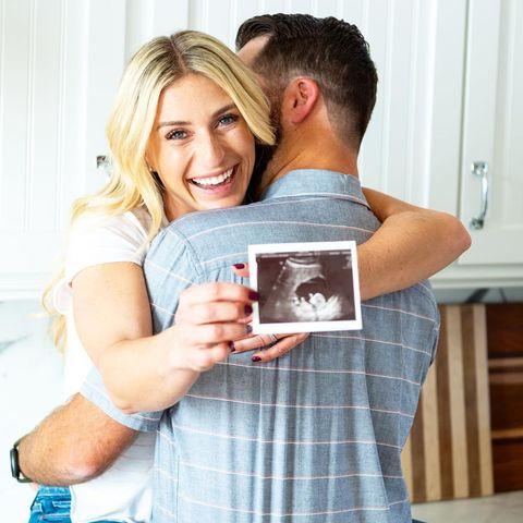 Hgtv Star Jasmine Roth And Her Husband Brett Roth Are Pregnant