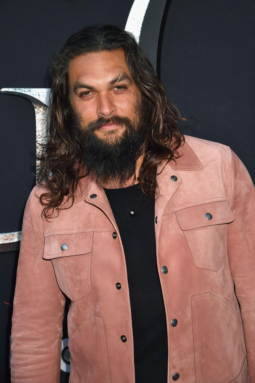 Jason Momoa di Game Of Thrones si taglia la barba e non è più il Signore dei Dotraki che tutte conosciamo