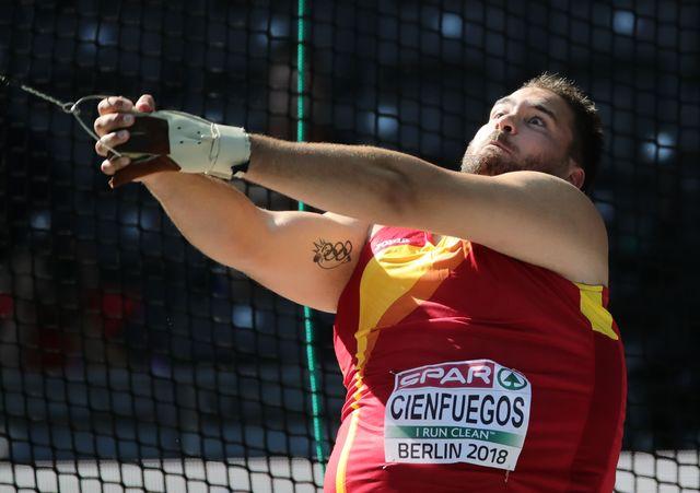 javier cienfuegos lanza el martillo en la copa de europa de lanzamientos de split