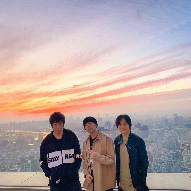 Sky, Photograph, Cloud, Snapshot, Sunset, Friendship, Horizon, Evening, Tourism, Photography,
