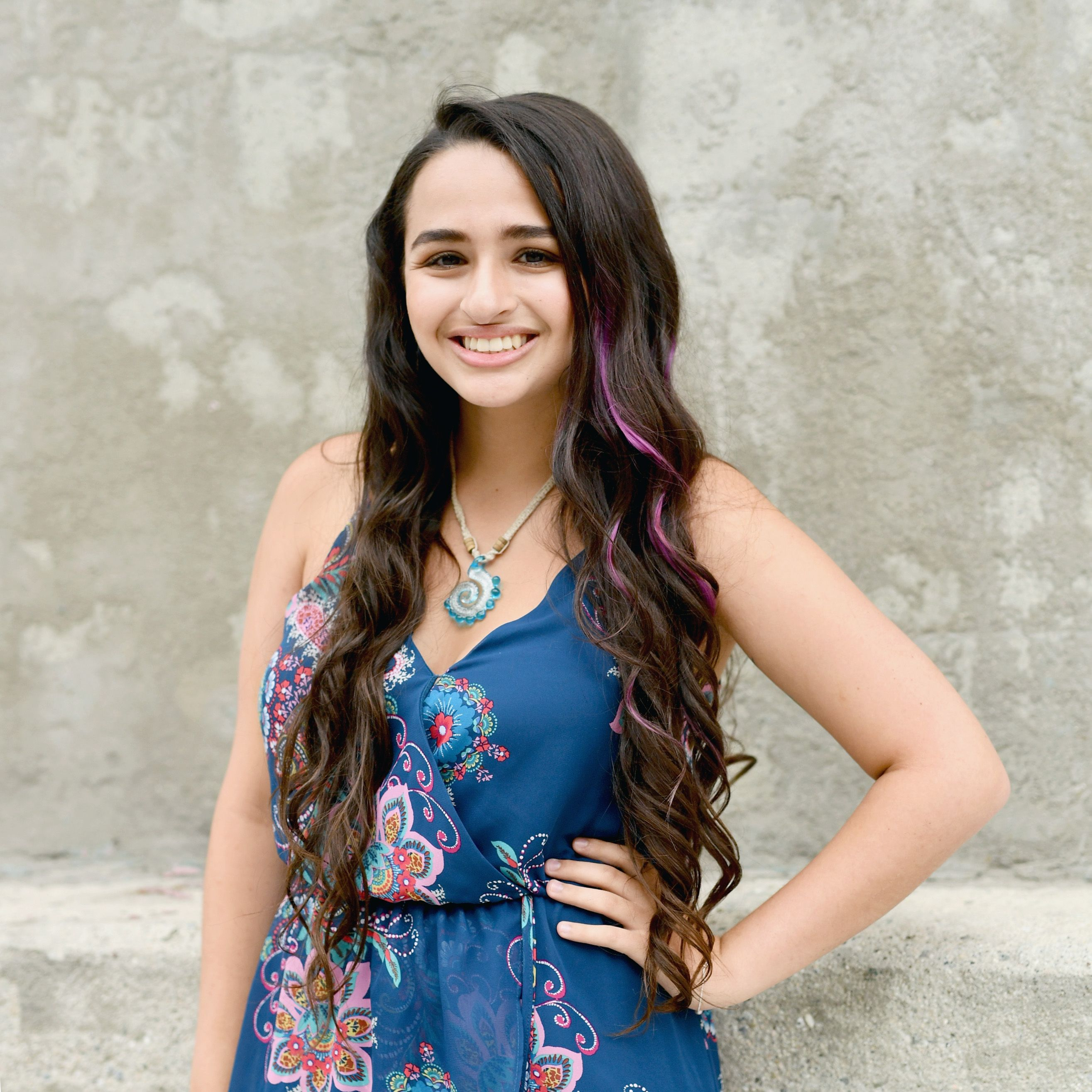 Winterjas Kind 2019.Jazz Jennings Shares More Details About Gender Surgery Complications