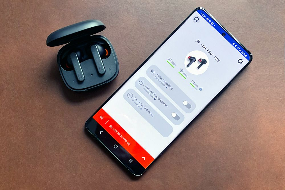 jbl live pro earbuds and sound settings