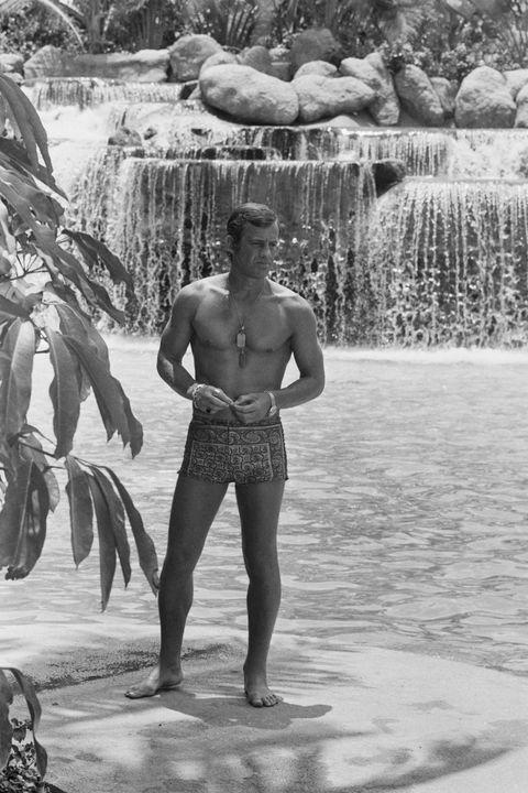 jean paul belmondo desnudo bañador piscina