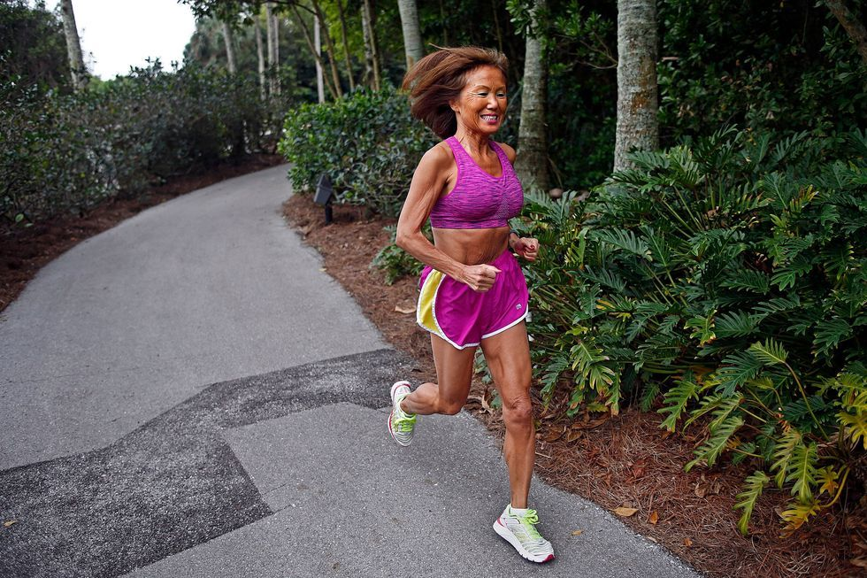 929a4226d4 70-Year-Old Ohio Woman Sets Marathon Record in Chicago