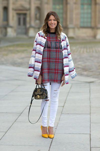 Come abbinare e indossare i jeans bianchi