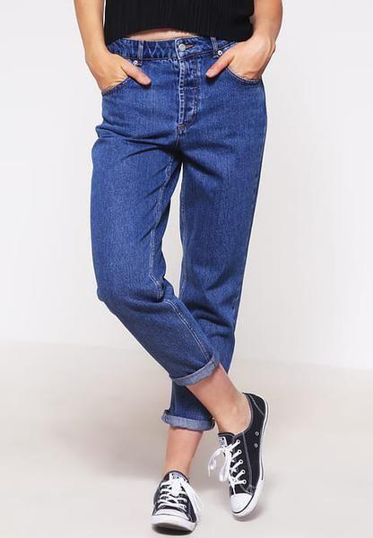 Boyfriend jeansSelected Femme(70 euro su Zalando.it).