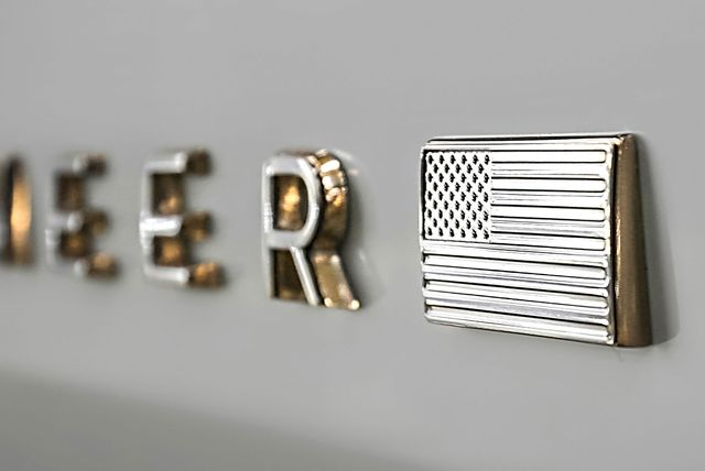 jeep grand wagoneer emblem
