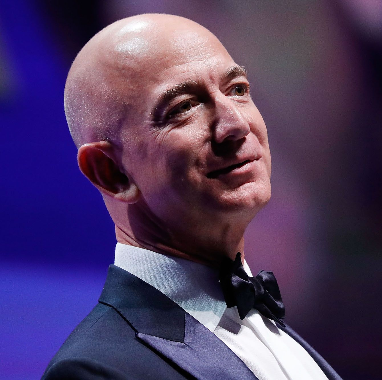 Jeff Bezos And Bill Gates Hand Wash Their Dishes Mindfulness