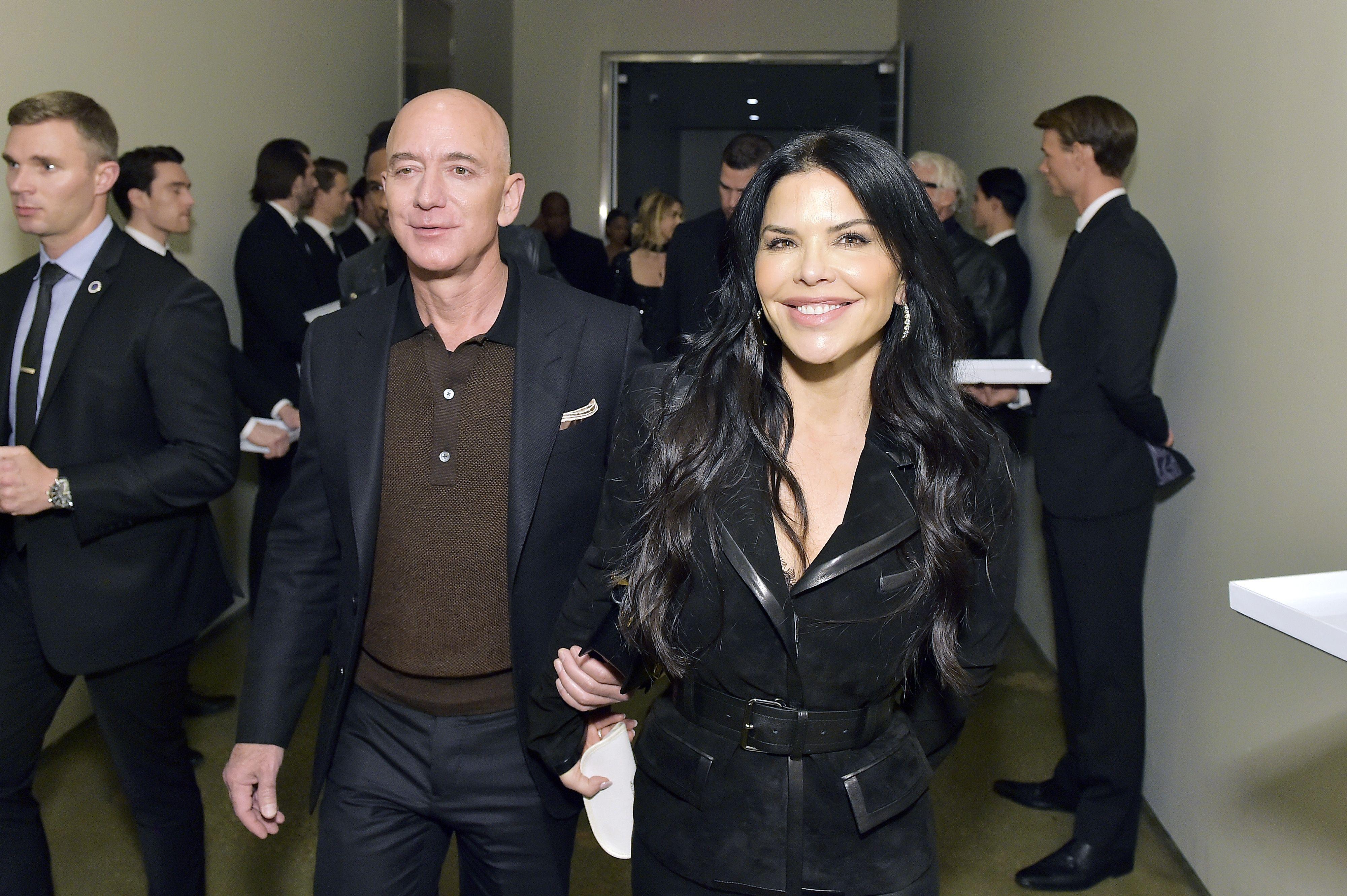 Jeff Bezos Took Lauren Sanchez to Meet ...