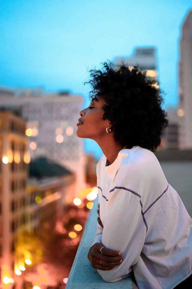Hair, Blue, Hairstyle, Sky, Beauty, Black hair, Photography, Human, Summer, Vacation,