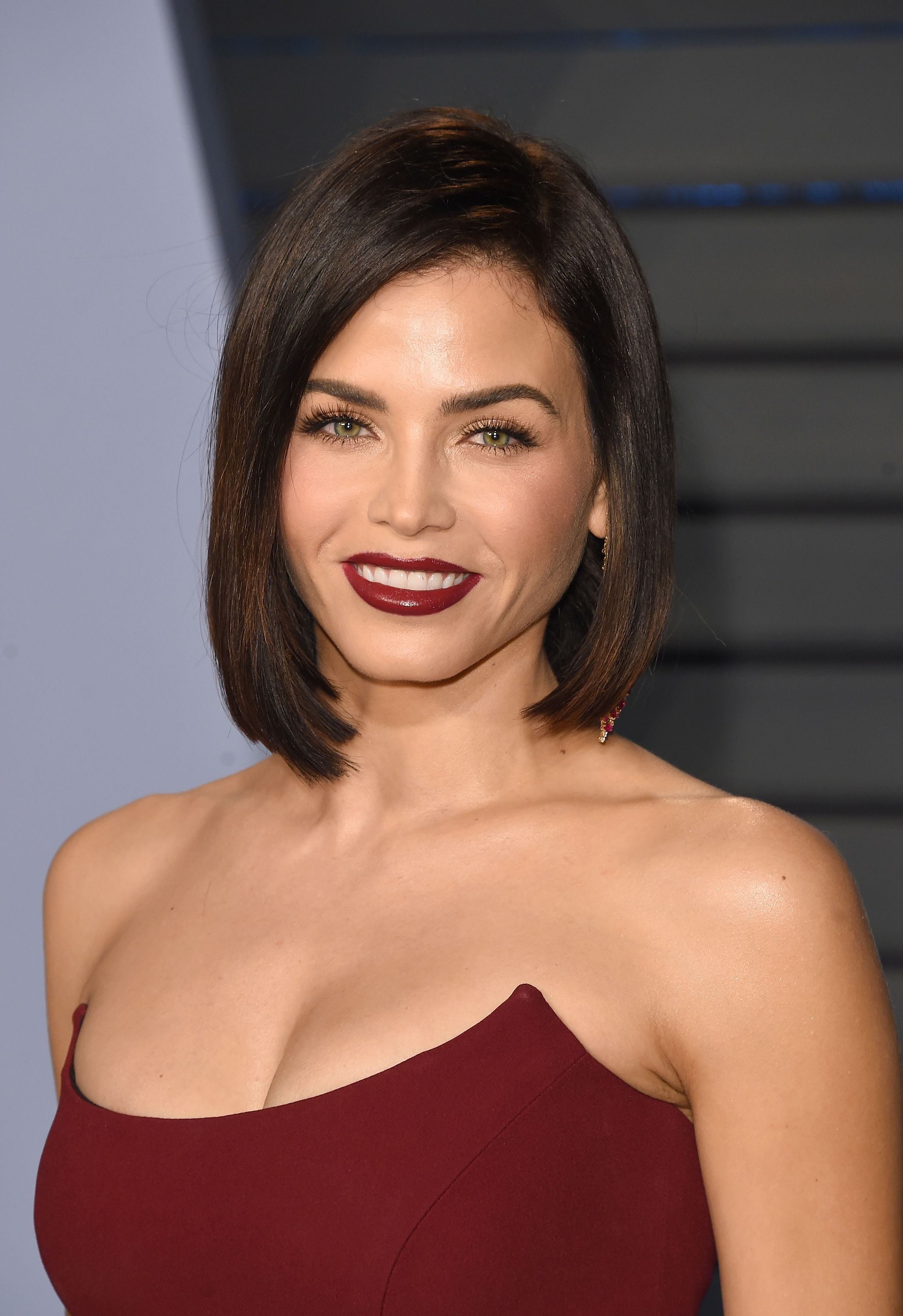 25 Best Hairstyles For Round Faces in 2019 , Easy Haircut