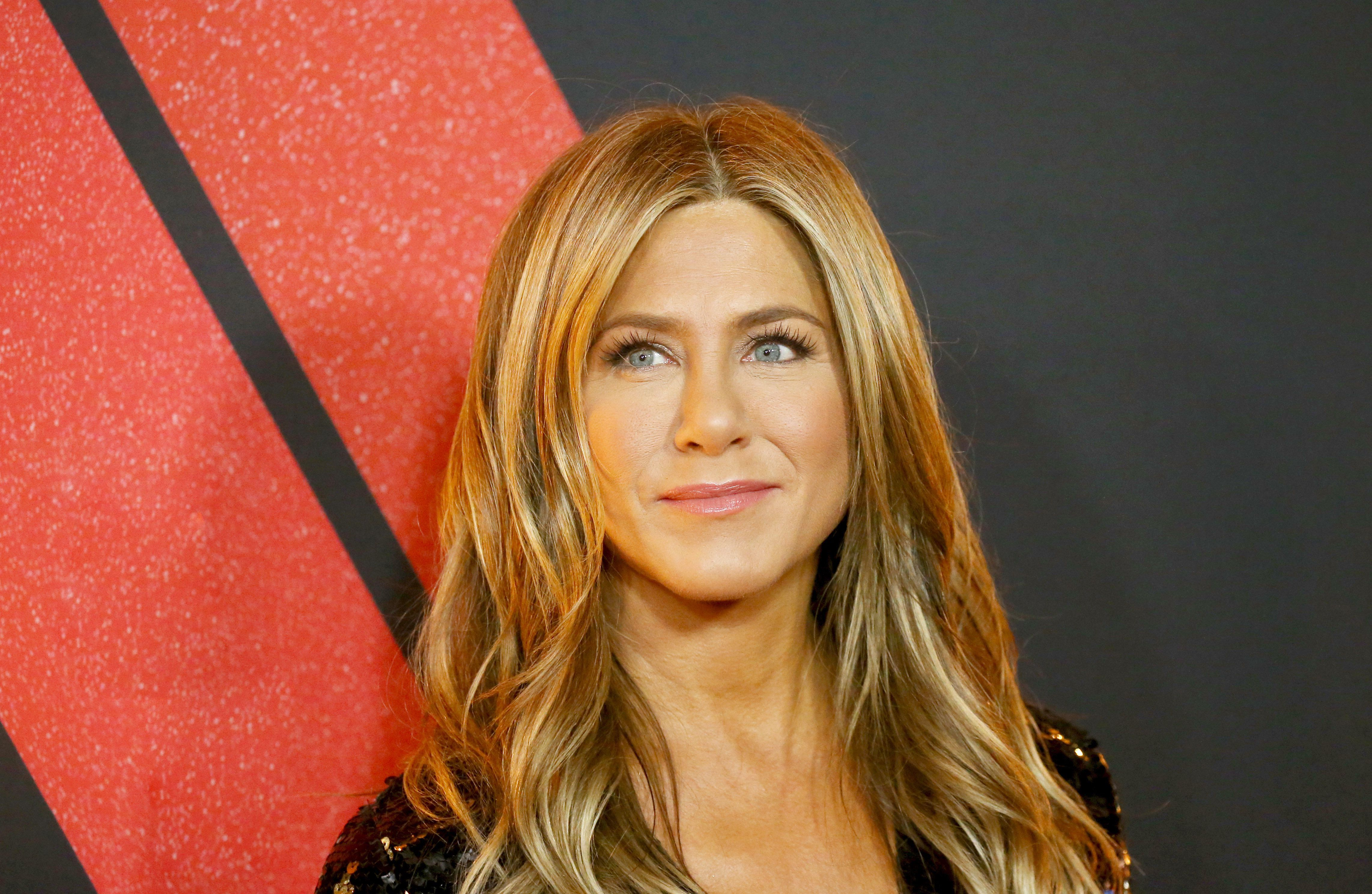 jennifer-aniston-turns-50-today-and-looks-amazing-thanks-to-this-workout