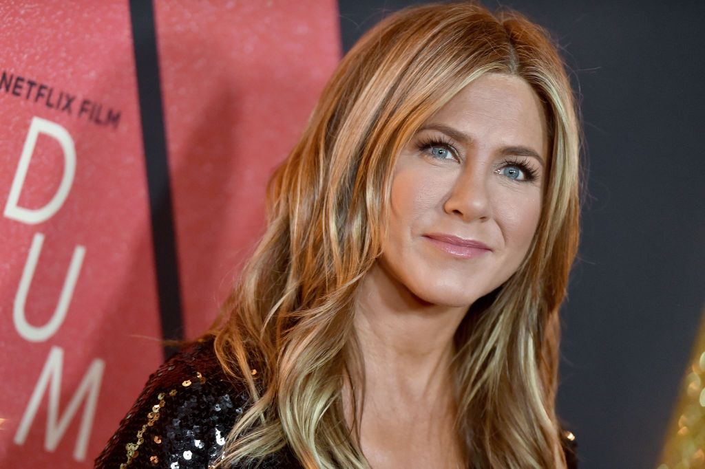 Jennifer Aniston Joined Instagram And Justin Theroux Led The Online Party Of Celebrities